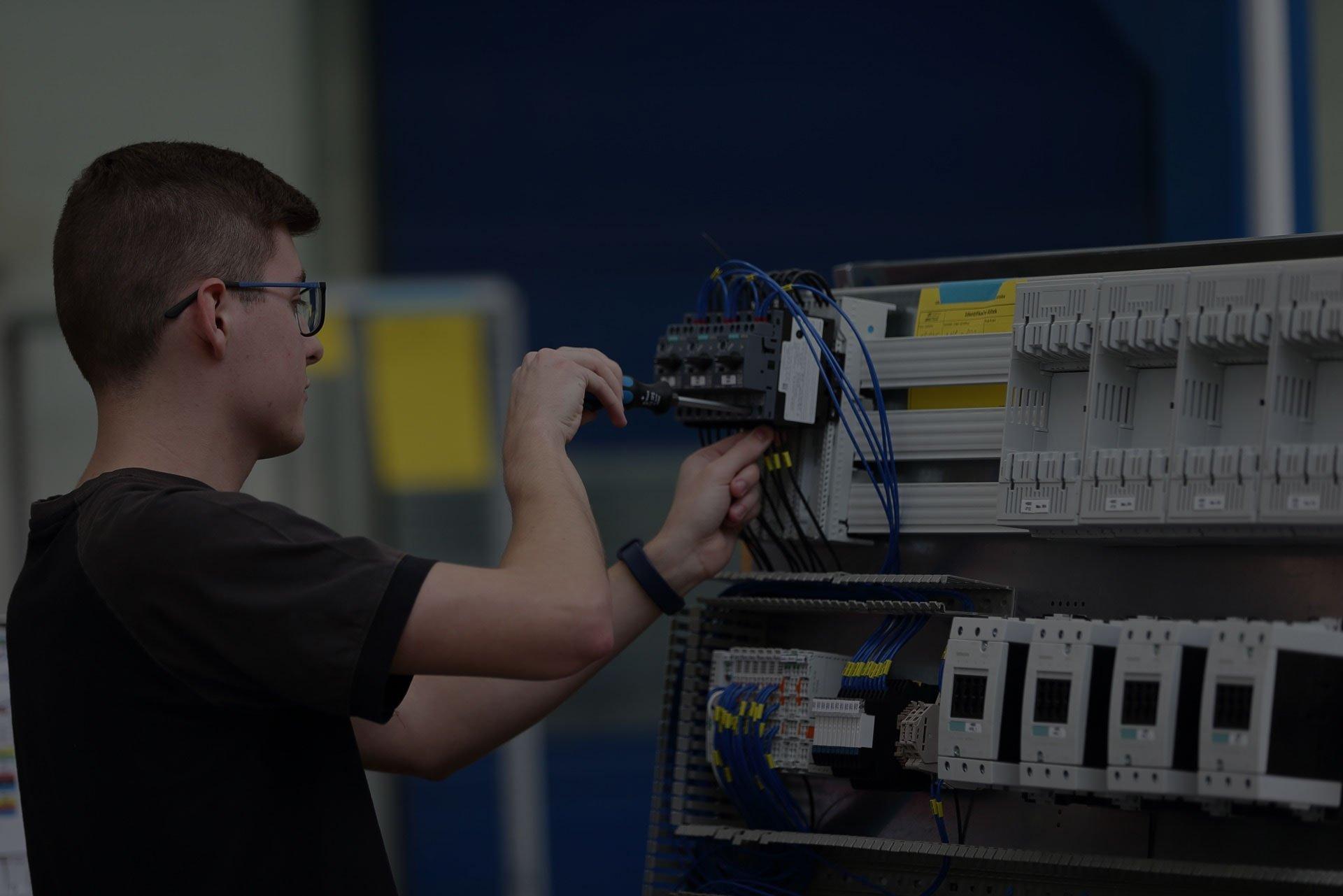 Montáž elektrického rozvaděče nízkého napětí v SENCO Příbram